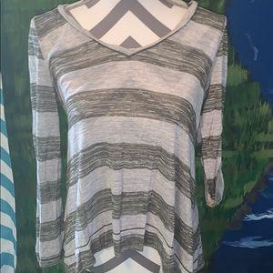 Max studio brand size medium long sleeve top